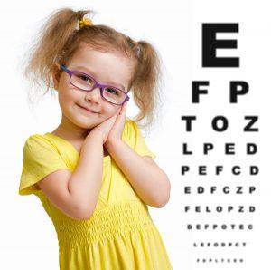 revisar vista niños con una revisión oftalmológica - Real Visión