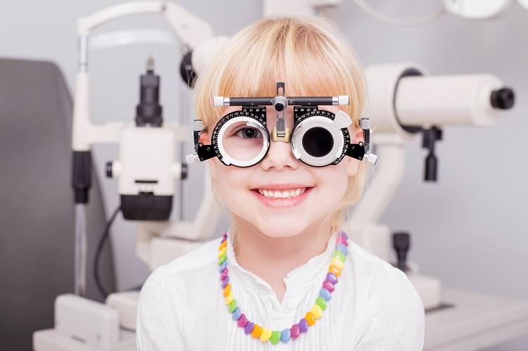 estrabismo infantil tratamiento - clinica real vision